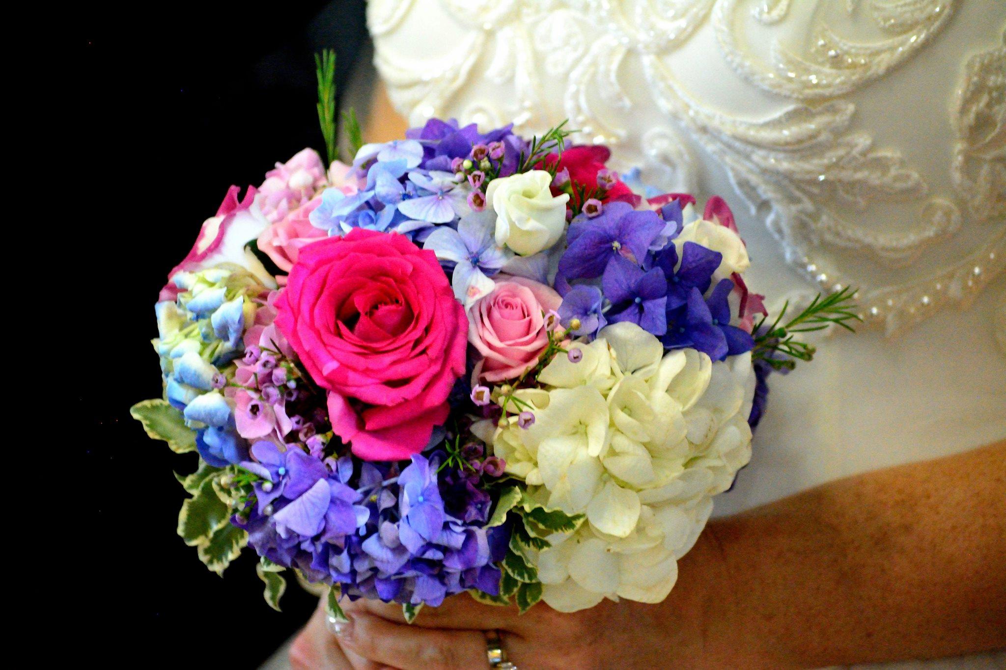Buchet Mireasa Hortensie Si Trandafiri Floraria Vows