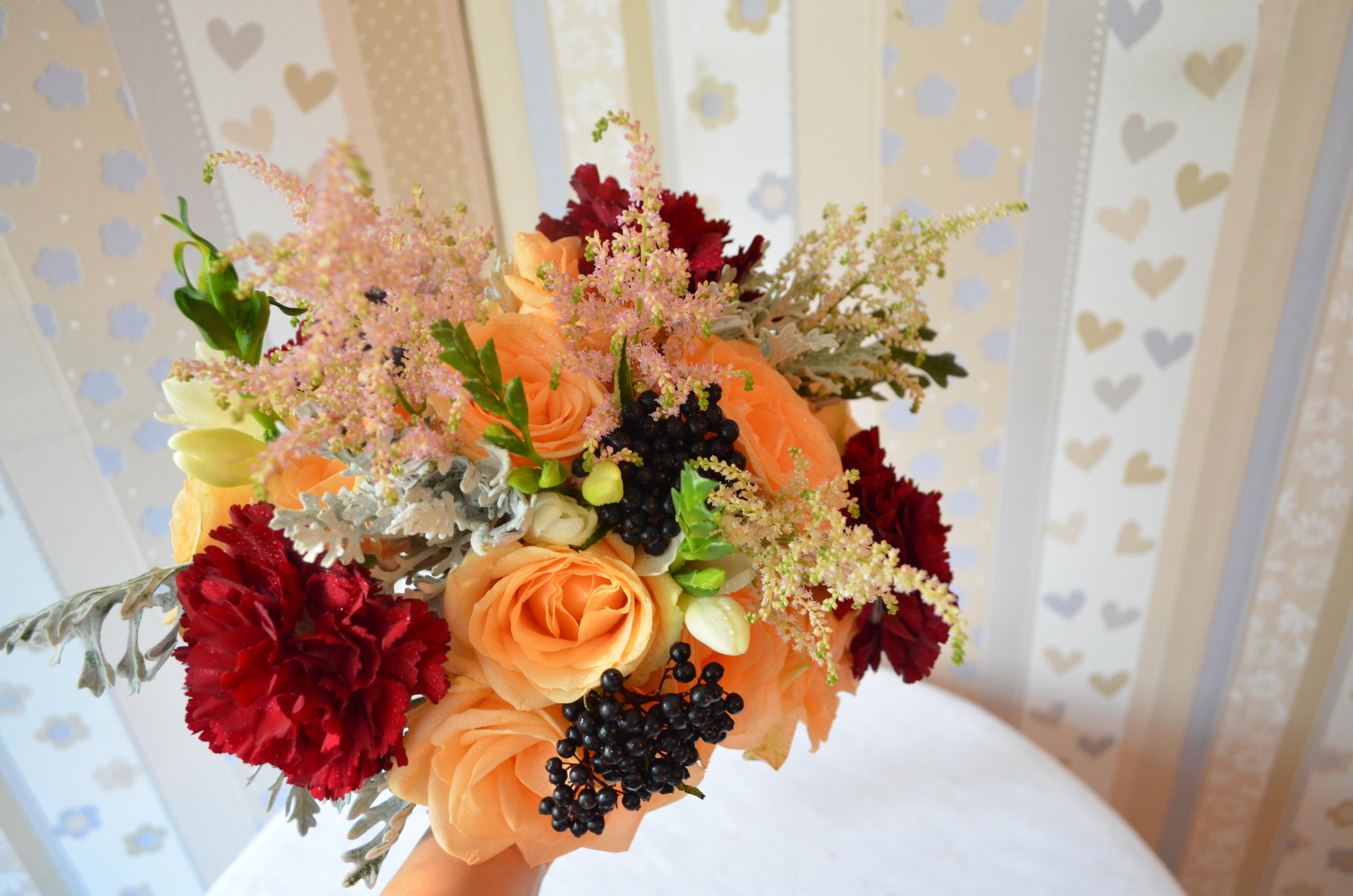 Buchet Mireasa Trandafiri Somon Si Astilbe Floraria Vows