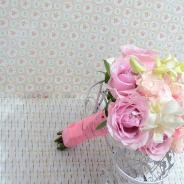 Buchet Nasa trandafiri si orhidee dendrob